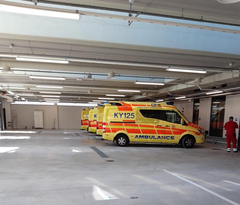 Ambulanssit käyttävät hallia noin 15000 kertaa vuodessa, Keskussairaala on nykyisin ainut päivystyspiste Etelä-Kymenlaaksossa johon ambulanssit kuljettavat potilaita. Lisäksi Kouvolasta ambulanssit kuljettavat merkittävän määrän potilaistaan suoraan Kotkaan.